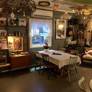 © Finnsnes Hotell, Inside of the retro cafe