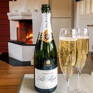 Två glas med champange.