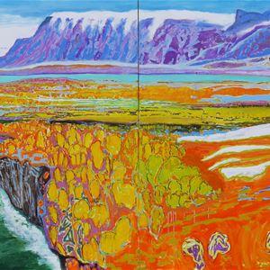 Björn Wessman,  © Björn Wessman, Färgrikt måleri över dal mellan snöbeklädda bergskedjor.
