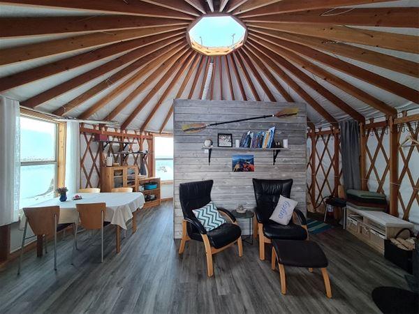 Yurt - In the Ocean gap