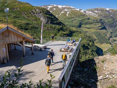 Accommodation, The Flåm Railway & Zipline