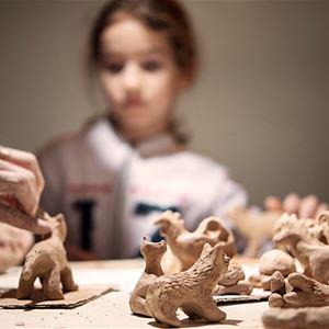 Atelier de modelage en terre à faïence (Enfants)