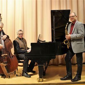 Musik i sommarkväll: Jazz i sommarkvällen i Öregrunds kyrka