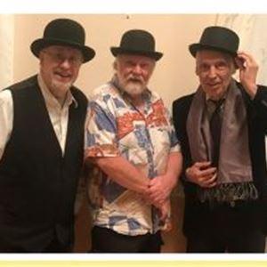 Tre gubbar i hatt.
