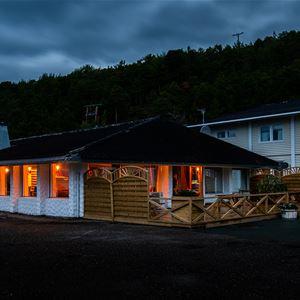 © Skibotn Hotell, Skibotn Hotell - Sarvvis restaurant & experience center