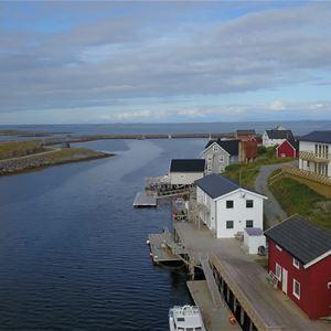 Tomas Iversen,  © Tomas Iversen, Selvær arctic fishing