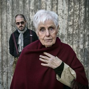Fönsterspringan med Elsie Johanson och Daniel Östersjö