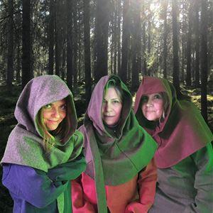 Katarina Eriksson,  © Trampolin, Tre rövare i skogen.