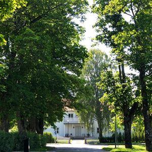 Framsida Villa Holmsundsallén