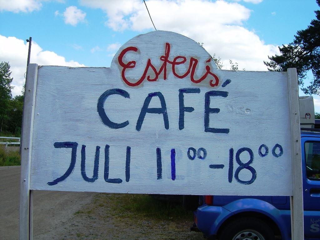 C.E.U.,  © C.E.U., Esters Café