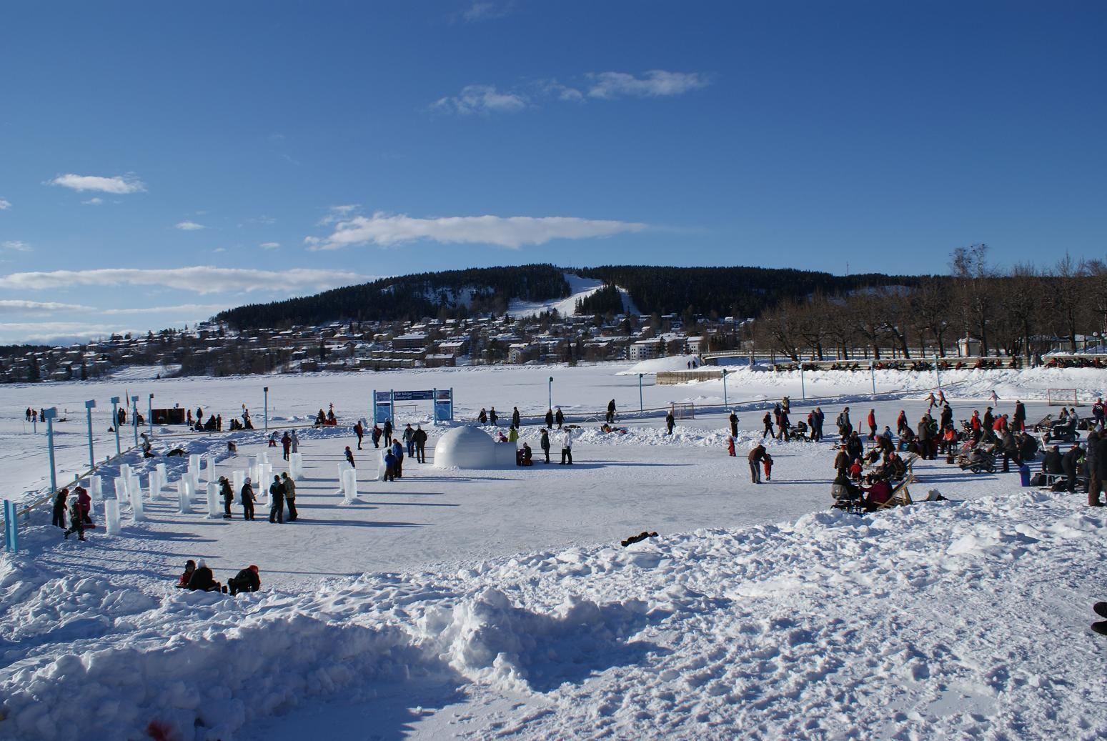 Vinterparken - Lekland av is och snö